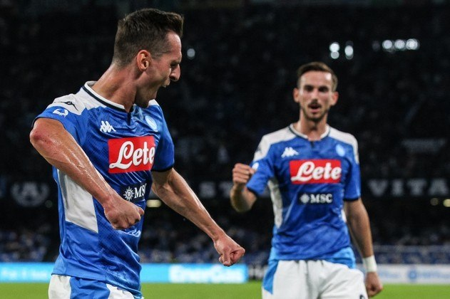Milik (26 anos) - Clube atual: Napoli - Posição: atacante - Valor de mercado: 22 milhões de euros