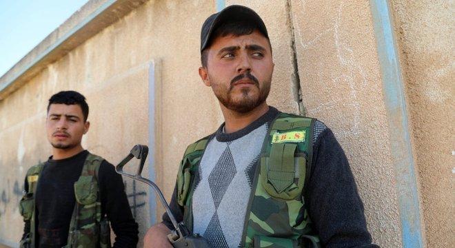A FDS diz que defenderá seu território 'custe o que custar'