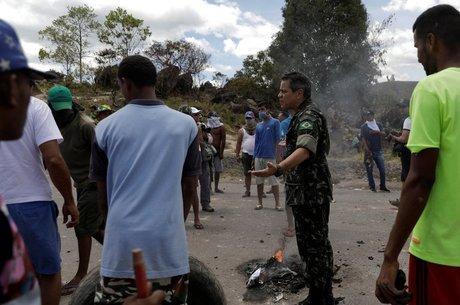 'A situação atual da Venezuela não é sustentável para o governo Maduro, principalmente considerando esse nível de sanção econômica e o fechamento das fronteiras com Brasil e Colômbia, de onde a Venezuela importa produtos básicos', diz Jennifer McCoy