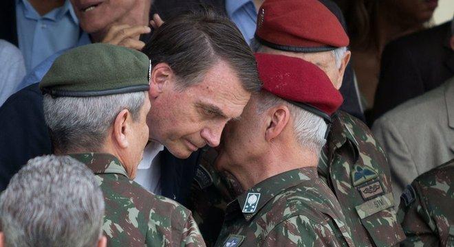 Militares têm colaborado com quadros do governo
