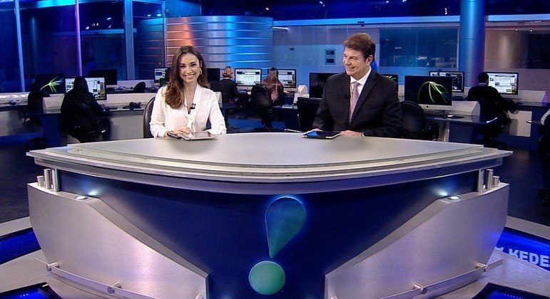 """Millena Machado e Augusto Xavier são os atuais apresentadores do """"Rede TV News"""""""