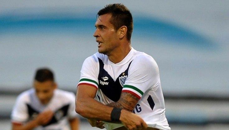 Milton Caraglio – O centroavante esteve perto de assinar com o São Paulo em 2016, mas a negociação esfriou e ele não jogou no Brasil. Atualmente, o atleta defende o Cruz Azul, do México, sem muito destaque. Ele teve bons momentos no Vélez Sarsfield (ARG).