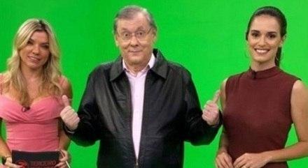 Milton Neves acompanhado de Marília Ruiz e Lívia Nepomuceno