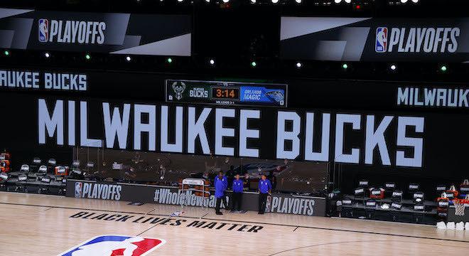 Milwaukee Bucks se recusaram a entrar em quadra contra Orlando Magic