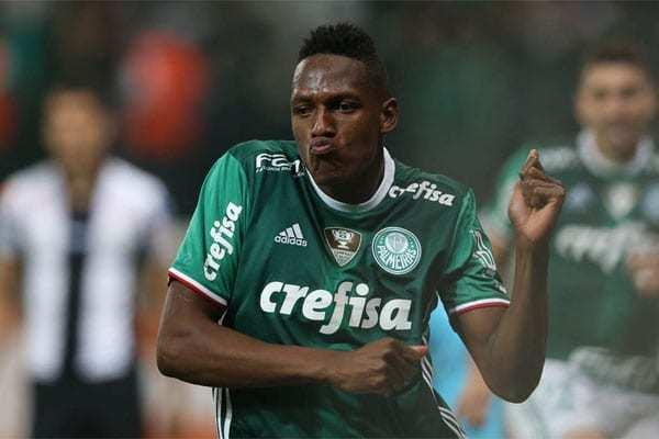 Mina foi contratado pelo Palmeiras em 2016. Em 2018, desembarcava no Barcelona