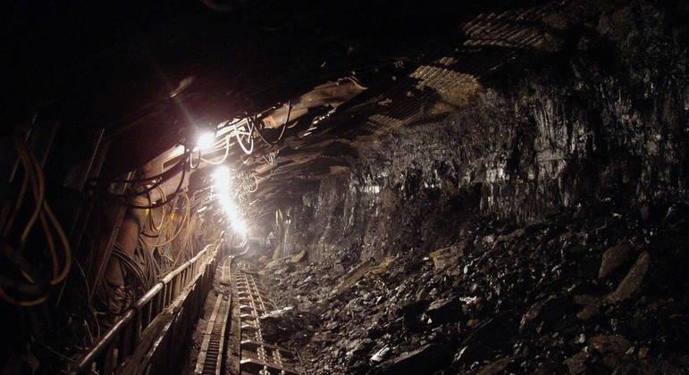 China autoriza reabertura de 15 minas de carvão no país
