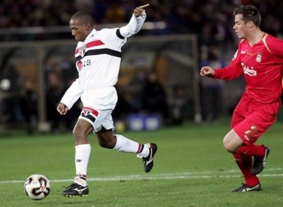 Mineiro - O volante foi um dos principais nomes da época de ouro do São Paulo. Marcou o gol da vitória diante do Liverpool no Mundial de Clubes.