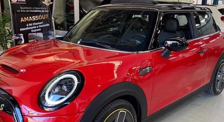 Eletroposto da Napa's foi o ponto de parada do Mini Cooper ao longo do teste