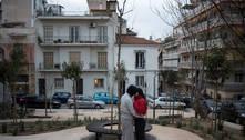 Atenas reage a aquecimento global e poluição com miniparques