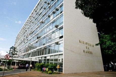 Ministério nega confisco ou requerimento de vacinas