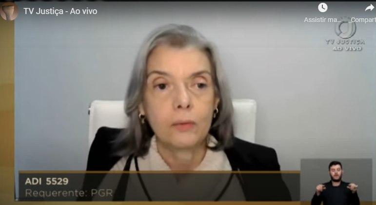 A ministra Cármen Lúcia acompanhou o voto do relator, Dias Toffoli, pelo fim da extensão dos prazos
