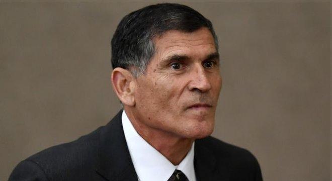 Ministro-chefe da Secretaria de Governo da Presidência diz que não tem qualquer interesse no que pensa Olavo de Carvalho