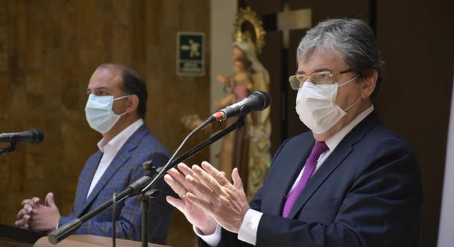Ministro da Defesa, Carlos Holmes Trujillo pediu desculpas por abusos policiais