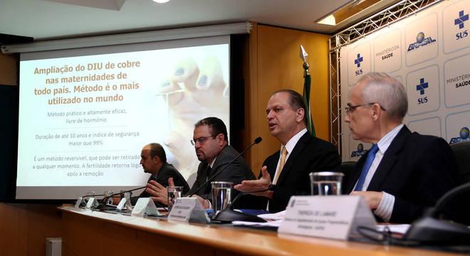 Ministro da Saúde, Ricardo Barros, em entrevista à imprensa nesta quarta-feira (7)