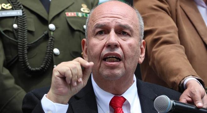 Ministro Arturo Murillo deu uma coletiva de imprensa em Cochabamba
