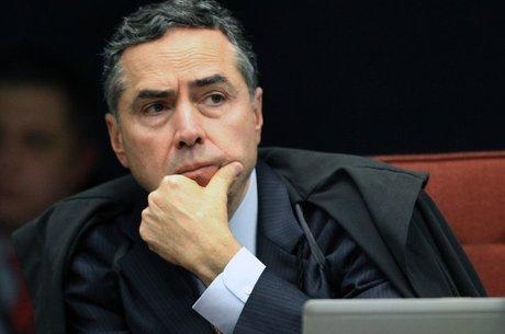 Barroso é presidente da turma do Supremo que vai julgar Aécio
