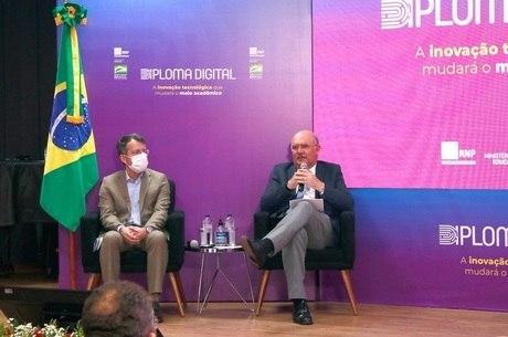 Ministro Milton Ribeiro no lançamento do Diploma Digital