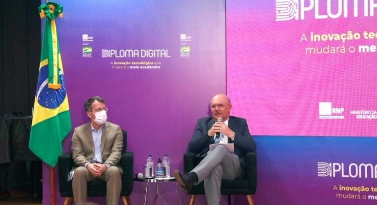 Ministro Milton Ribeiro no lançamento da regulamentação do Diploma Digital