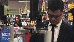 Compra básica em mercado faz Sérgio Moro receber comentários nas redes sociais (Reprodução Twitter)