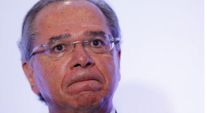 Sem base organizada no Congresso, pautas dos superministros, como Paulo Guedes, patinam