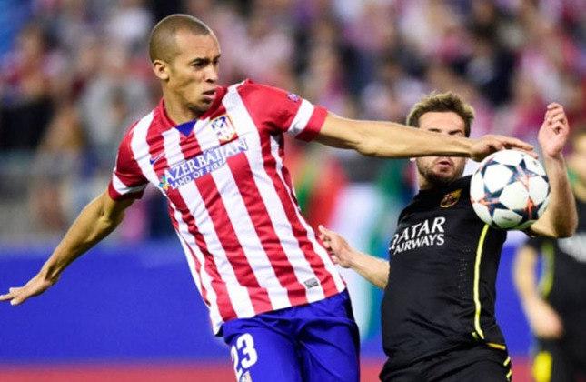 Miranda: De volta ao São Paulo, clube onde conquistou o tricampeonato brasileiro, Miranda fazia o caminho contrário em 2011. Em julho daquele ano, ele era vendido pelo São Paulo ao Atlético de Madrid.