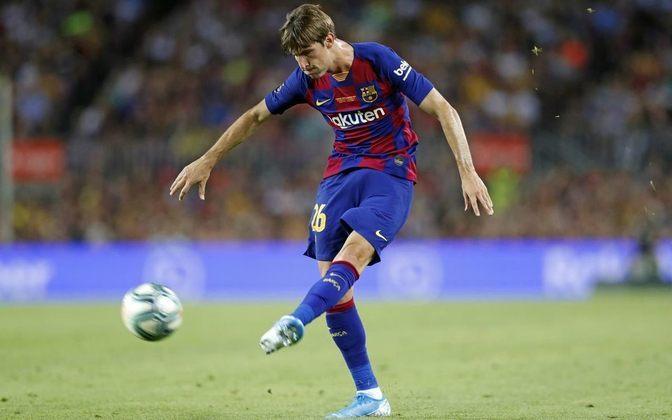 Miranda - Retornou do empréstimo ao Schalke 04, da Alemanha, o jovem lateral esquerdo, de apenas 20 anos, está à espera de uma definição não Barcelona. Em princípio, o clube prefere vendê-lo.
