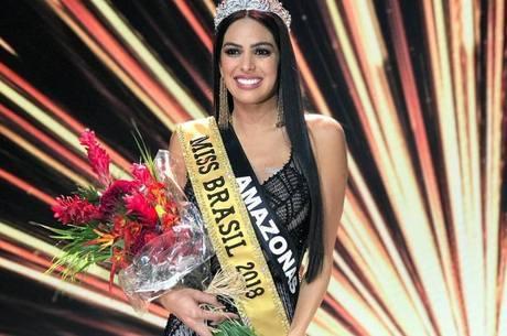 Mayra Dias desbancou 26 concorrentes e levou a coroa