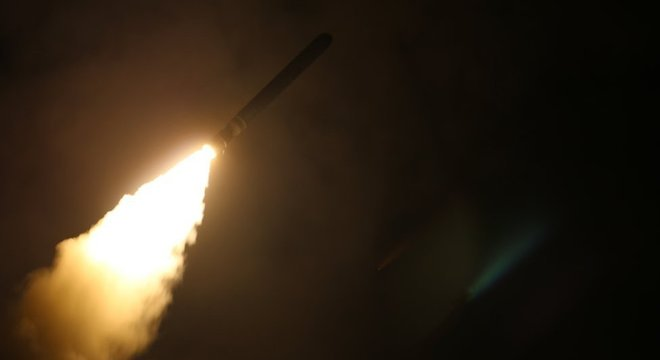 Potências ocidentais acusam regime sírio de autoria de ataque químico na semana passada