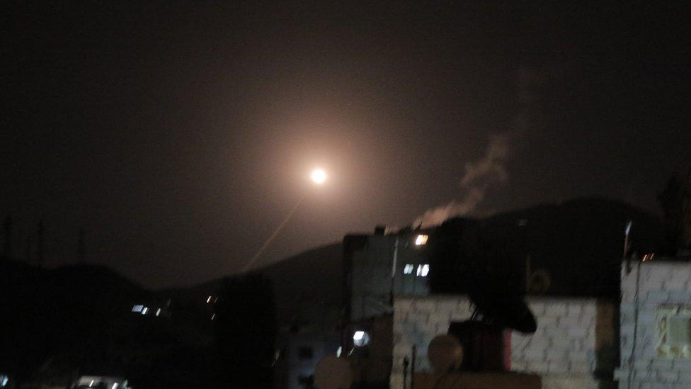 Como os aliados da Síria reagiram ao ataque liderado pelos EUA