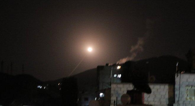 Míssil é lançado contra Síria