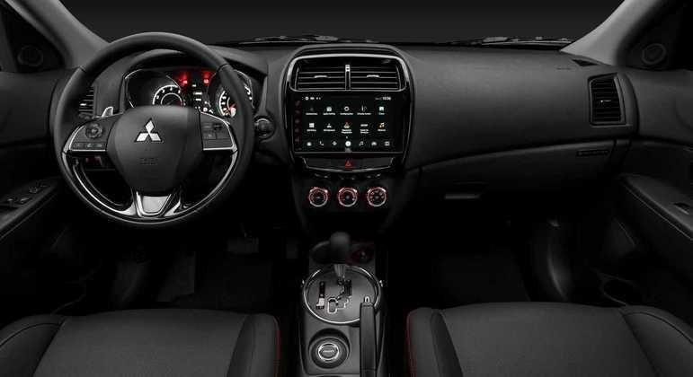 Central multimídia conta com conexão com Apple CarPlay e Android Auto