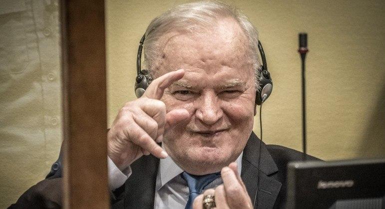 Ex-líder militar sérvio-bósnio Ratko Mladic, chamado de o 'açougueiro dos Bálcãs'
