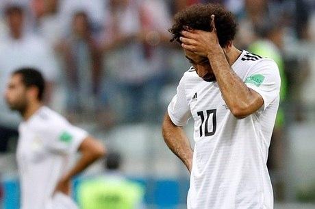 O egípcio Salah chegou à Copa lesionado