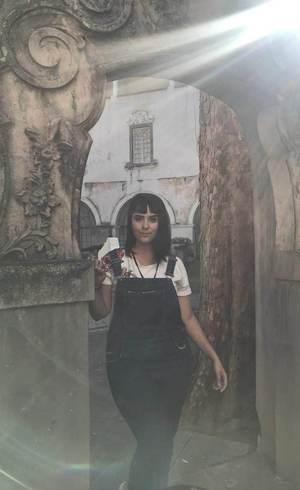 Ana costuma ir aos museus  em estreias de exposições