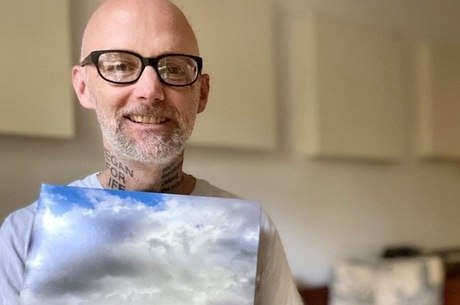 Moby exibe o novo disco  'All Visible Objects'