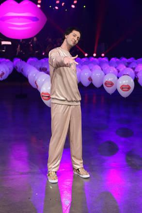O apresentador e consultor de moda Arlindo Grund fez pose a plateia