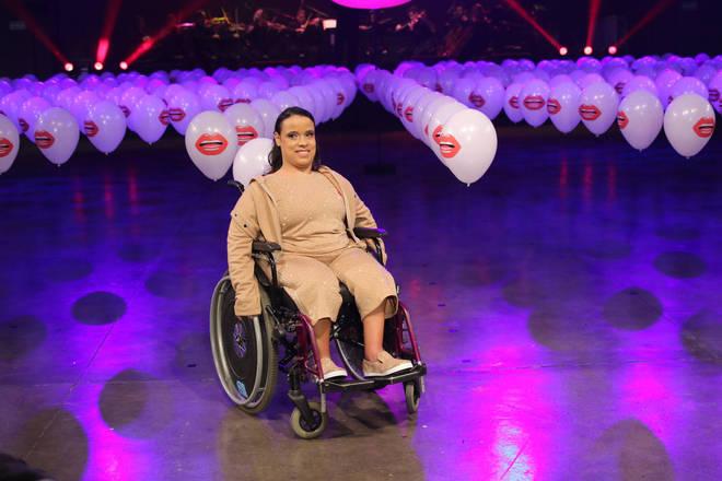 Pessoas com limitação de mobilidade e famosos desfilaram a coleção Lá Dolce Belle