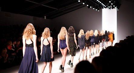 Especialista explica que designers escolhem modelos com corpos que sirvam como cabides de roupas