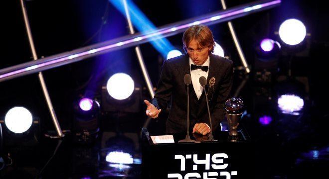 Luka Modric foi eleito o melhor jogador da temporada 2017-2018 pela Fifa