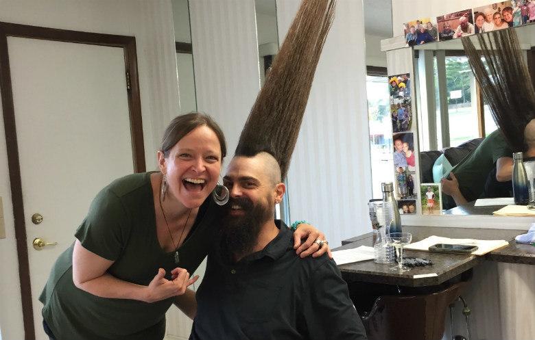 """A esposa de Grisamore, Laura, afirma que acha o cabelo dele """"muito sexy"""""""