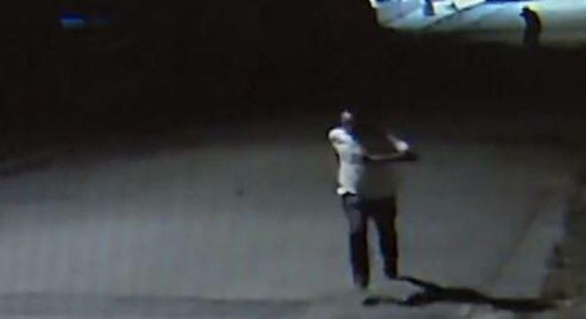 Câmeras do bairro flagraram Vagner fugindo de atirador