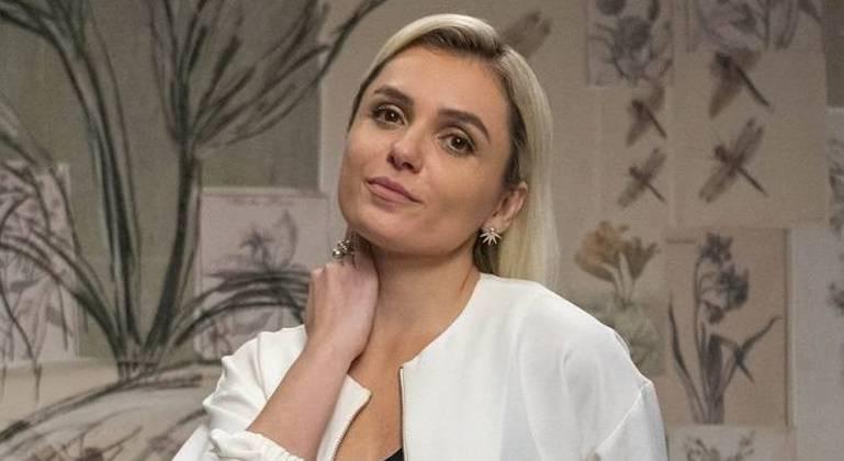 Monica Iozzi em trabalhos da Amazon e do Canal Brasil