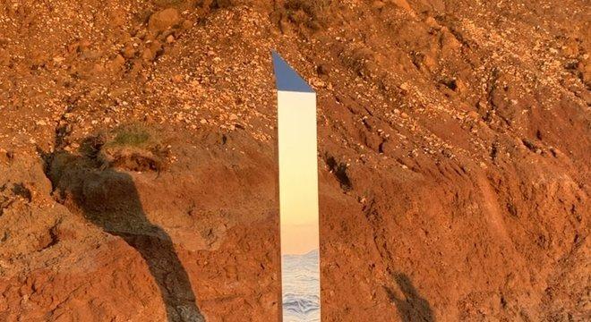 Depois de EUA e Romênia, monolito agora foi avistado na Ilha de Wight, sul da Inglaterra