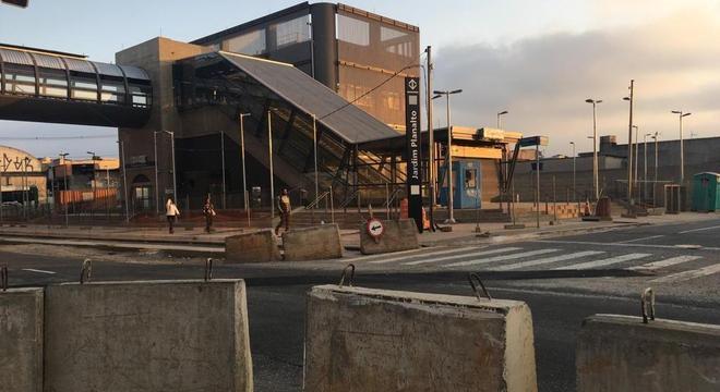 Estação Jardim Planalto, na zona leste, está em obras há nove anos