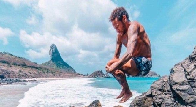 Montagens brincam com foto de Neymar