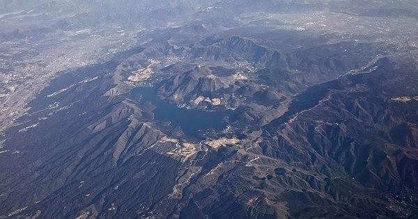 Possível erupção vulcânica fecha o turístico monte Hakone do Japão