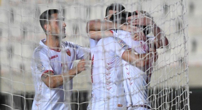 Comemoração de um gol de Montenegro