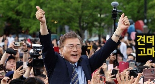 Desde que assumiu governo, Moon prometeu solução para a guerra das Coreias