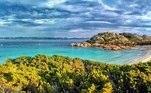 Mas o governo transformou a ilha em um parque nacional há cinco anos e a presença de Mauro por lá se tornou um problema