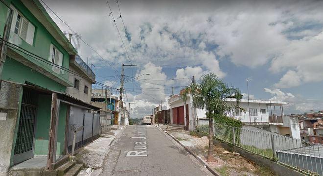 Rua em que morador de rua foi encontrado morto na zona sul de SP